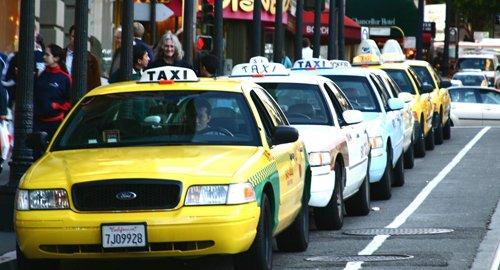 Tránh bị lừa khi đi taxi ở nơi du lịch